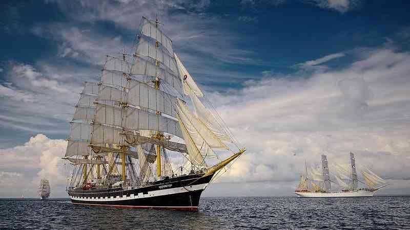 tall ship sail boat regatta